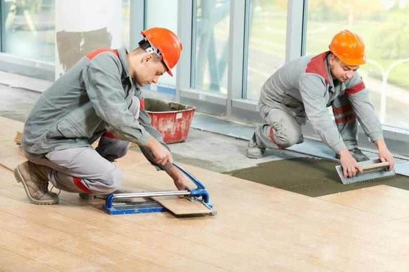 Как правильно нанимать рабочих для ремонта квартир